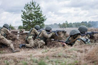 Ukrainian soldiers fighting for their territorial integrity