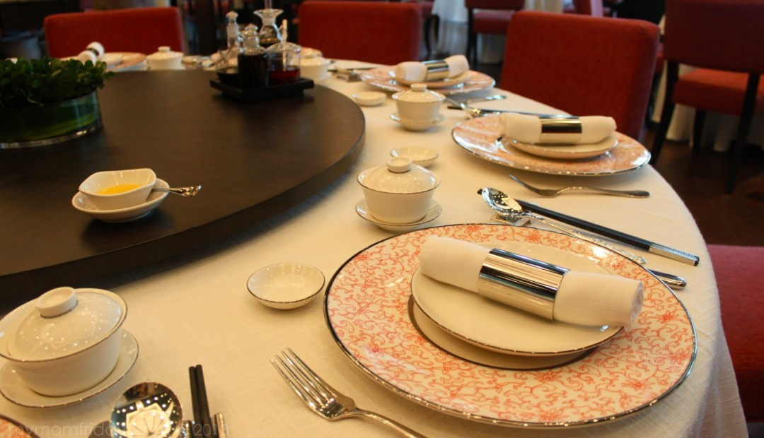 Chinese etiquette and rules of behavior at the table 1