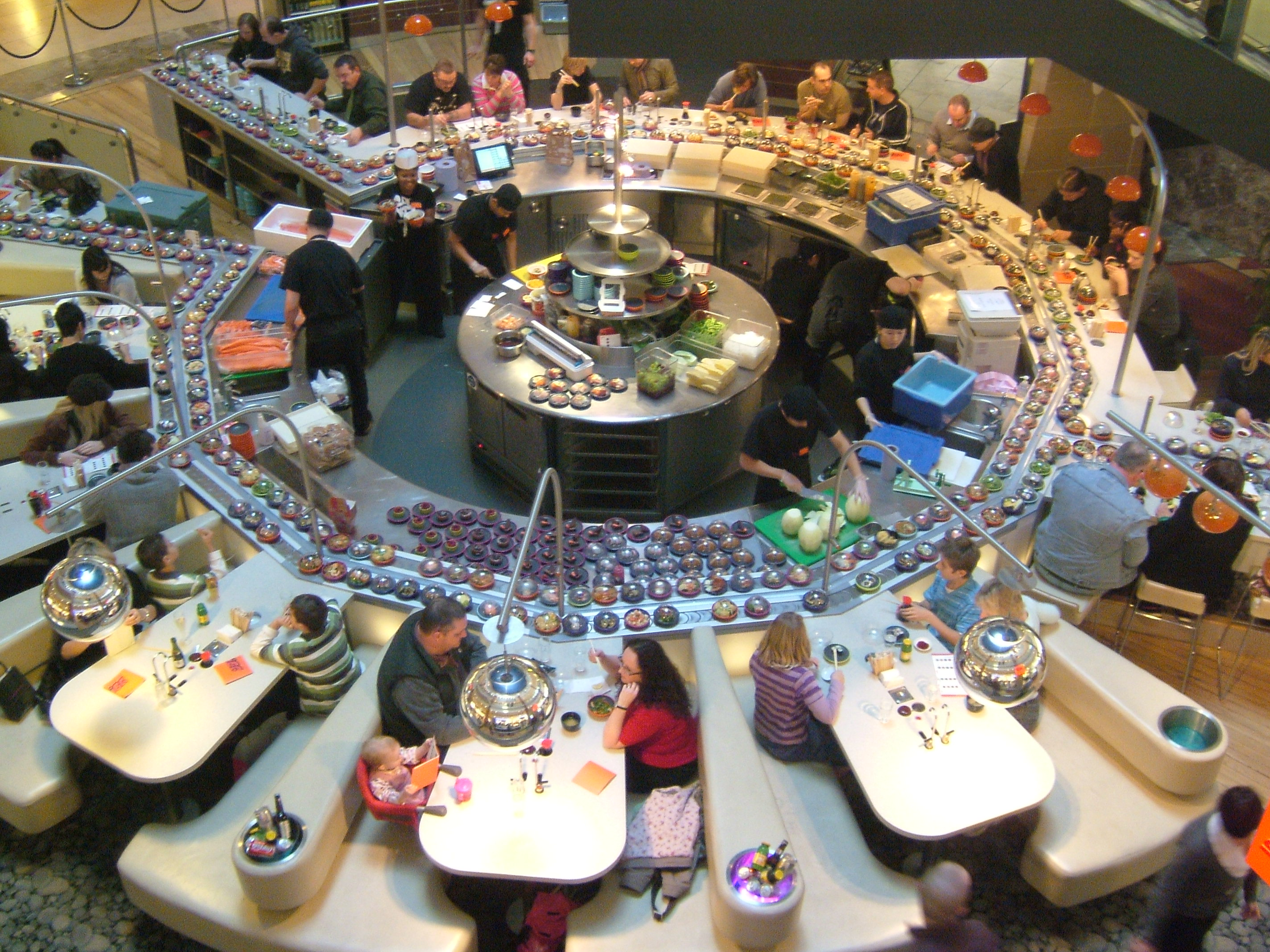 Table layout in japanese restaurants is it difficult to