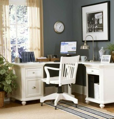 Classic-and-simple-home-office-design-for-small-corners